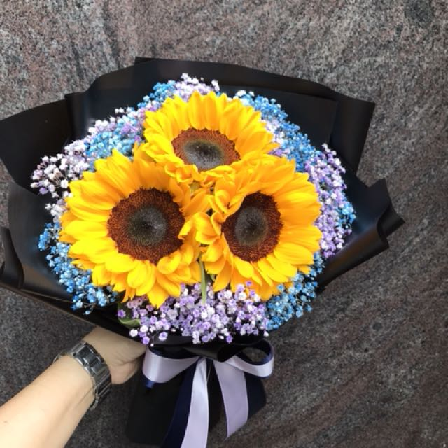 3 sunflowers And Baby Breath Bouquet