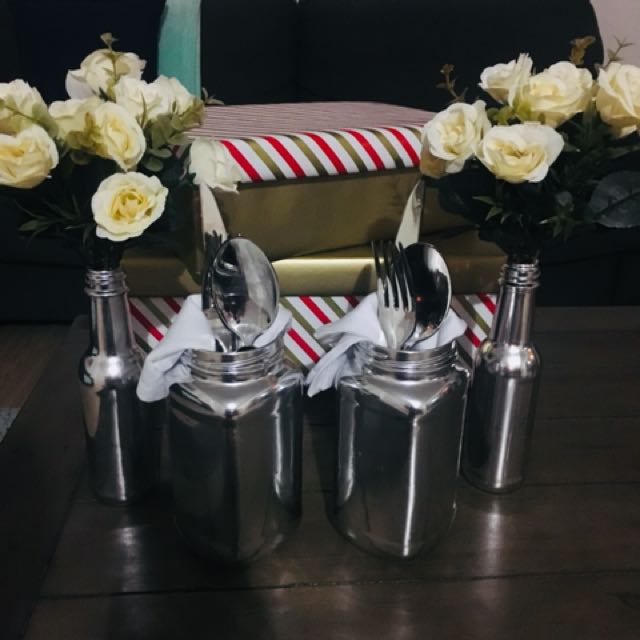 4 person table setting