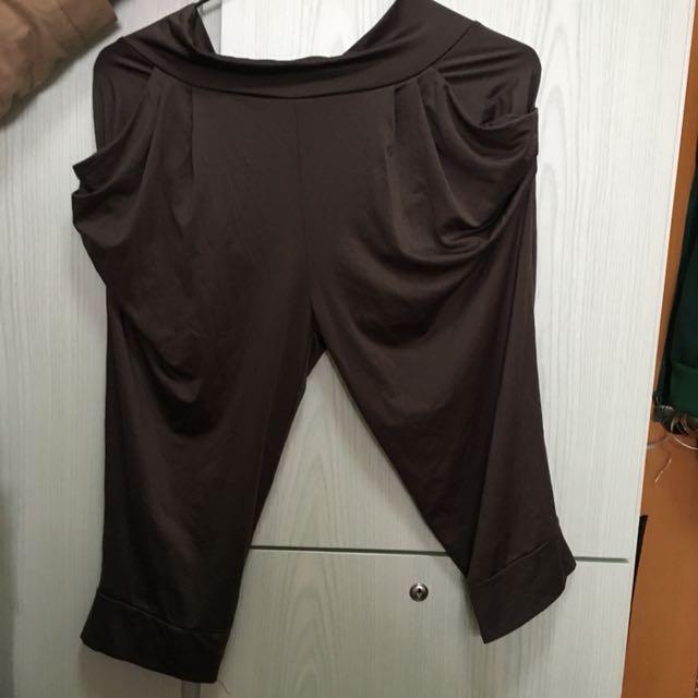 深啡色蝙蝠褲