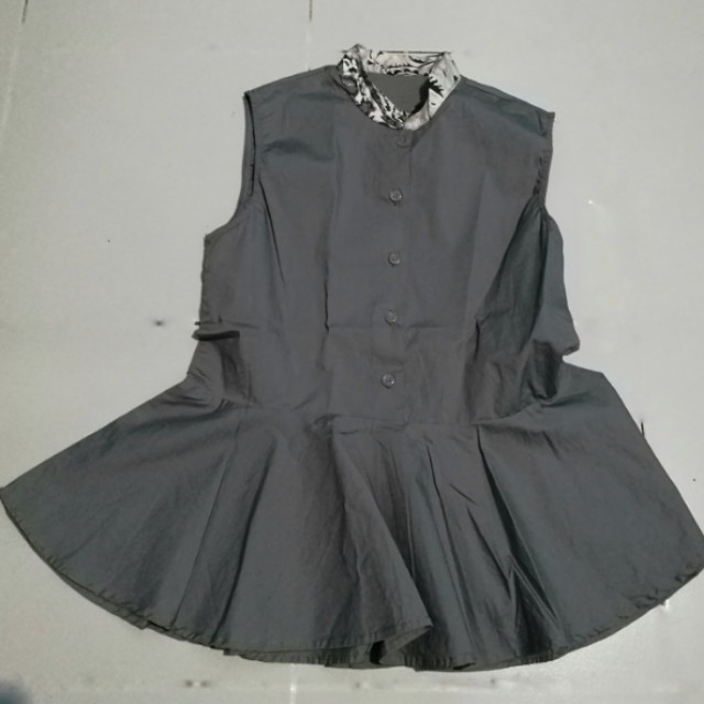 Atsthelabel grey top