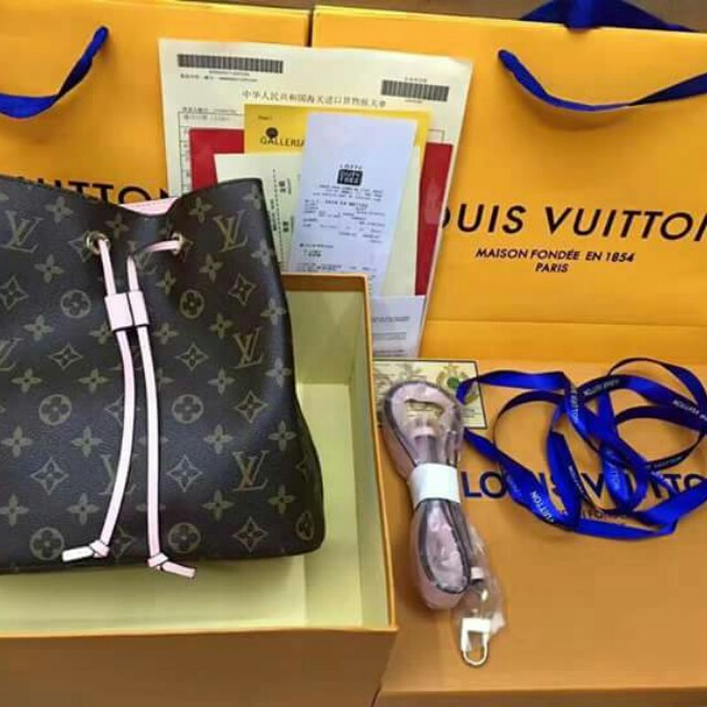 AUTHENTIC QUALITY LOUIS VUITTON BAGS WITH RECEIPT AND BOX