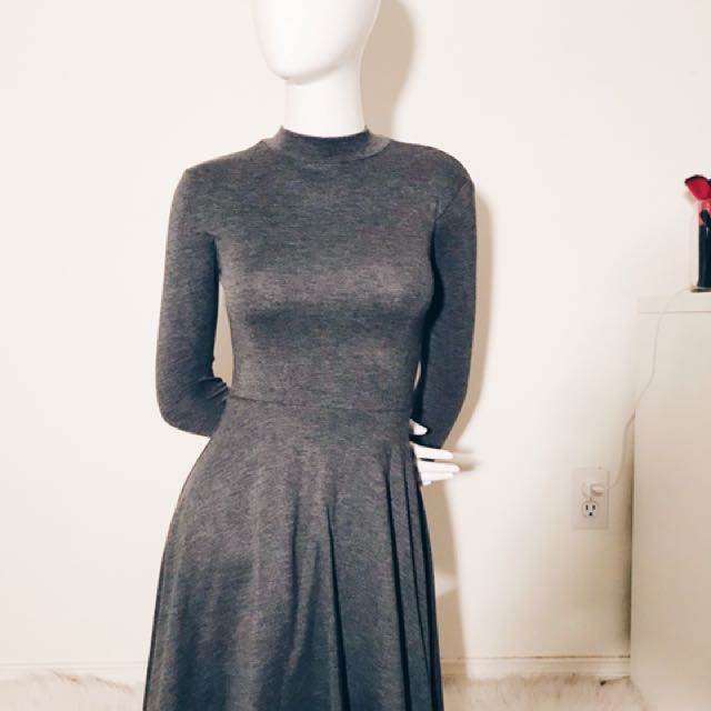 Basic Jersey Dress with cut out back