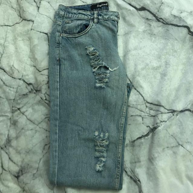 Boyfriend jeans (ripped)