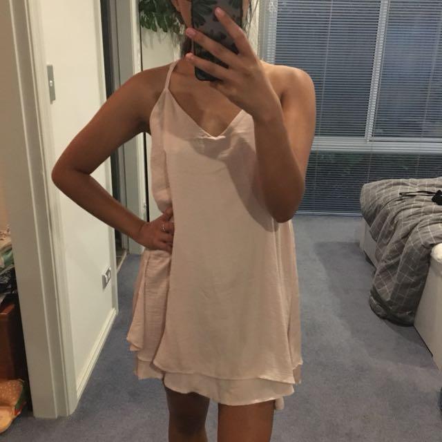 *Brand New* Dusty Pink Flowy Dress