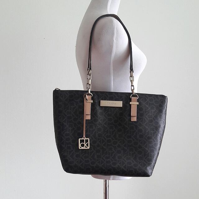 e73132a42f6 Authentic Calvin Klein Jordan Logo Zip Tote Bag, Women's Fashion, Bags &  Wallets on Carousell