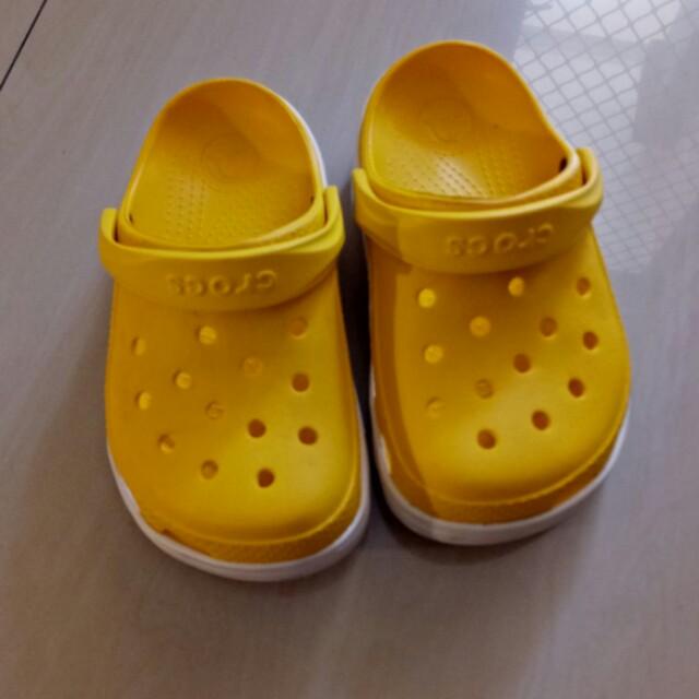 crocs casual