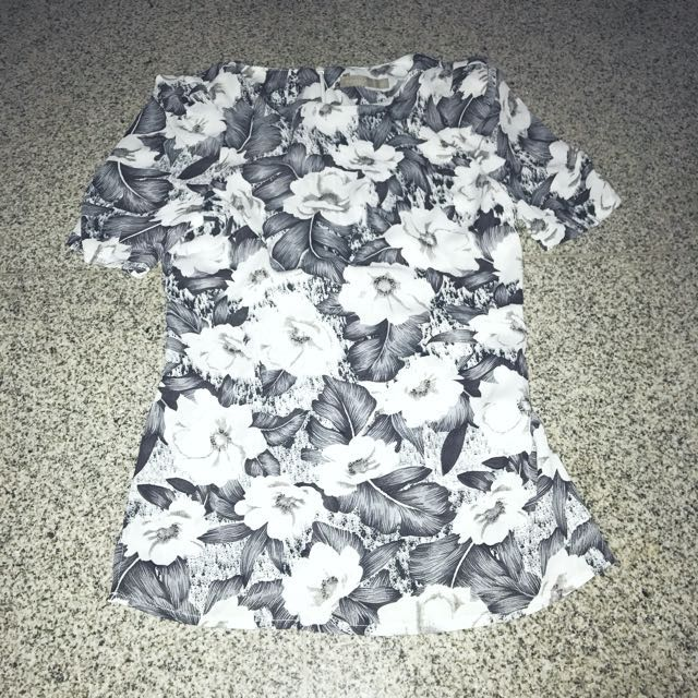 Floral Top With Shoulder Padding