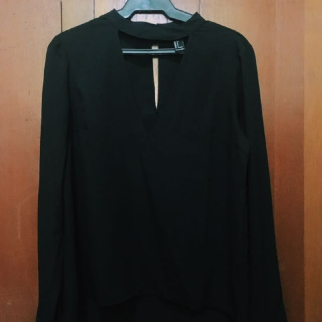 FOREVER 21 Long Sleeves with Low Cut