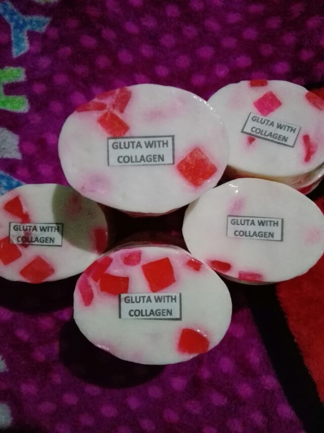 Gluta with collagen soap