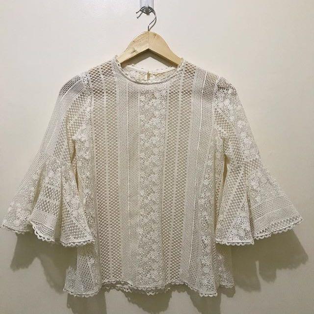 Hq bell lace top medium
