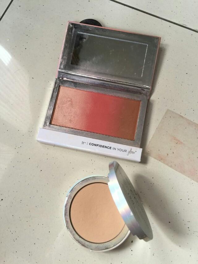It cosmetics powder and highlighter blush on bronzer trio