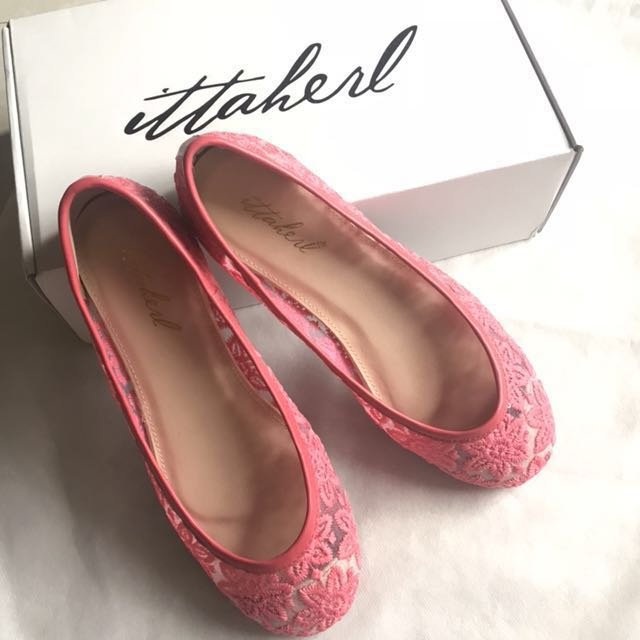 Ittaherl deevi pink flat shoes