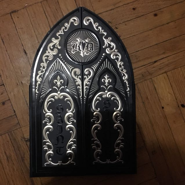 Kat von d  saint and sinner eyeshadow palette