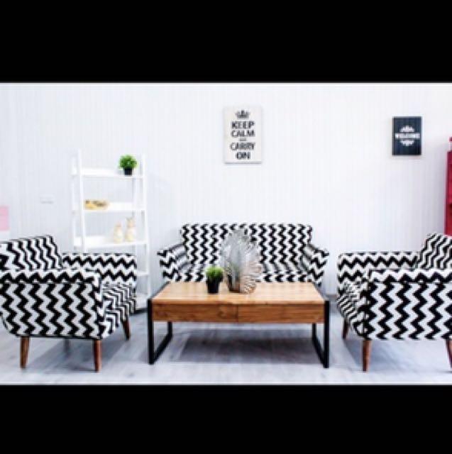 40 Gambar Kursi Kayu Hitam Putih HD Terbaik