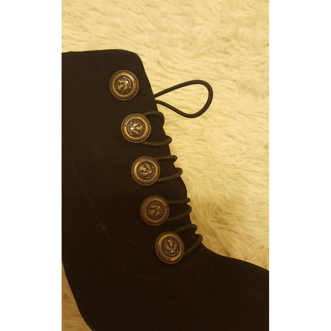 London Rebel black heels - size 6