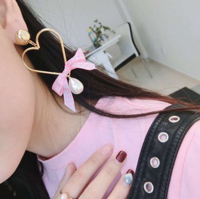 Love Ribbon Earrings (Import)