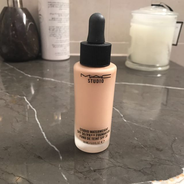 MAC Waterweight SPF 30 Foundation