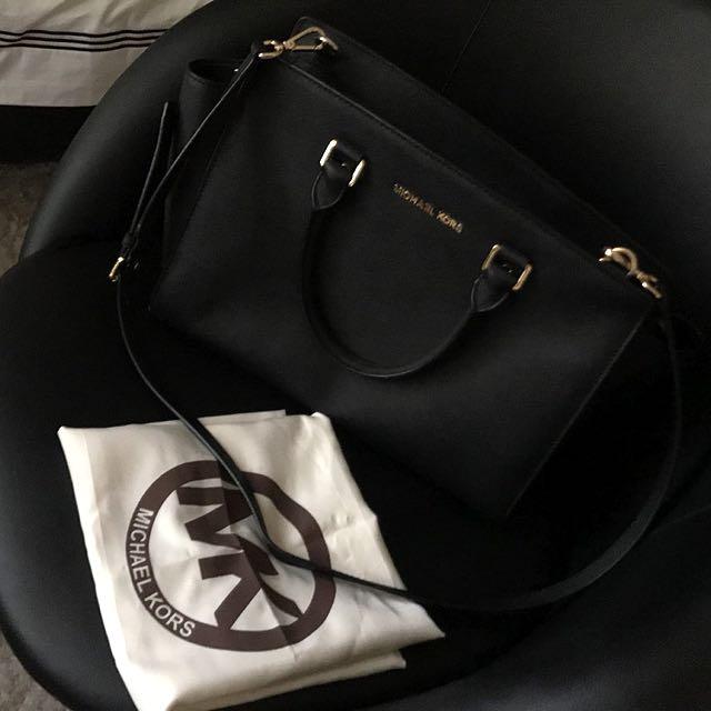 Michael Kors Selma Medium Black Bag