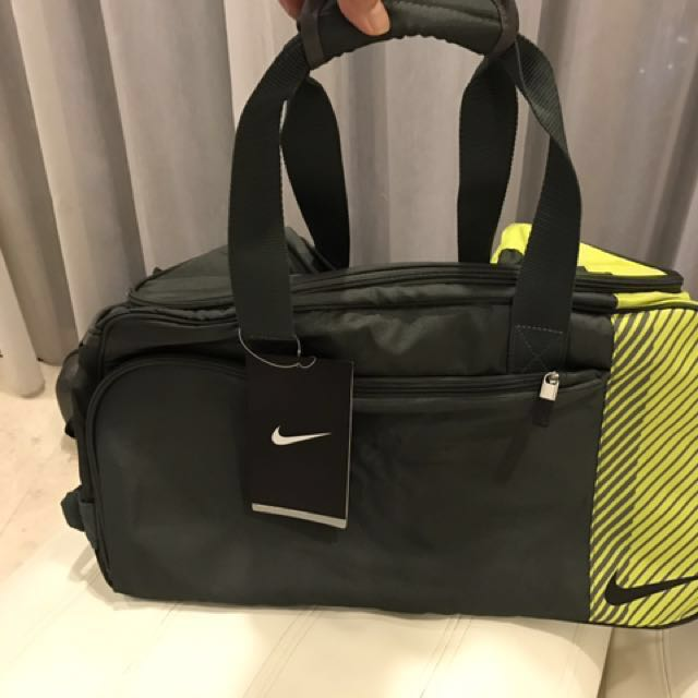 09d8a783ea NEW   Authentic Nike Sport II Golf Gym duffle Bag with tag still on ...