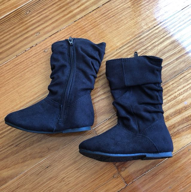 NEW Black (6) suede boots