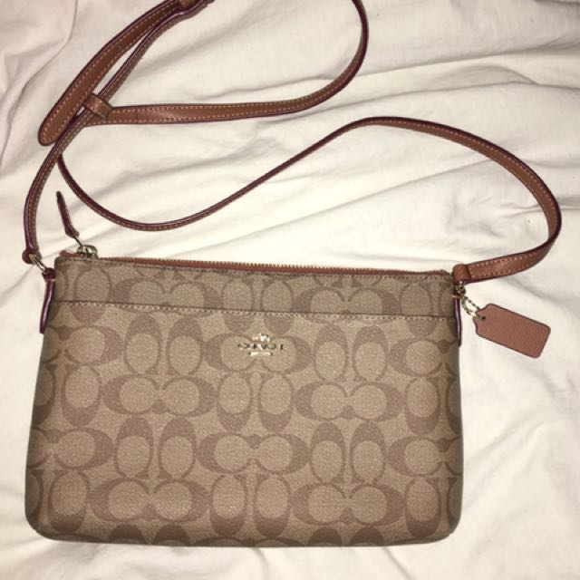 New ✨COACH✨crossbody bag