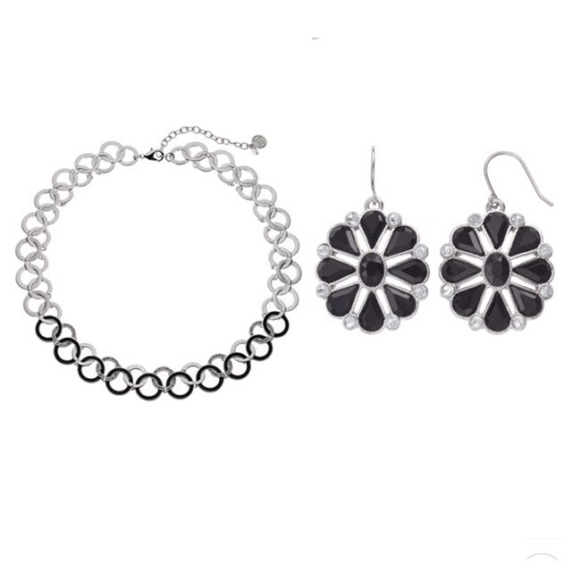 NWT Women's Necklace and Earring Set