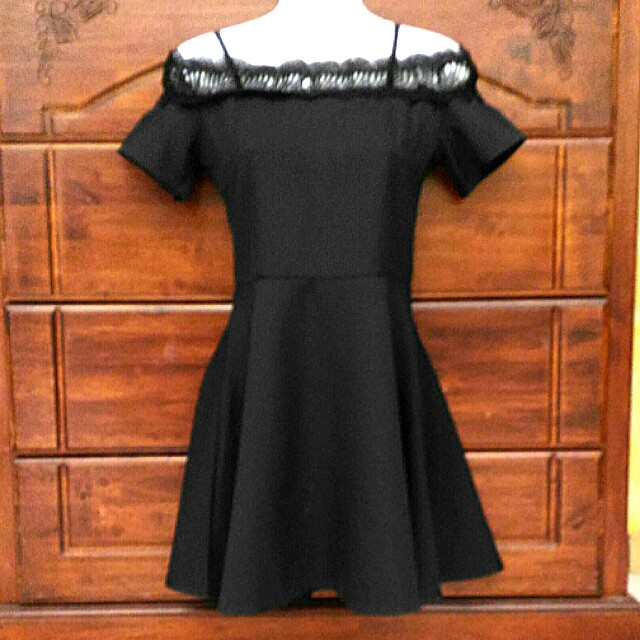 Off Shoulder Black Dress with lace and straps