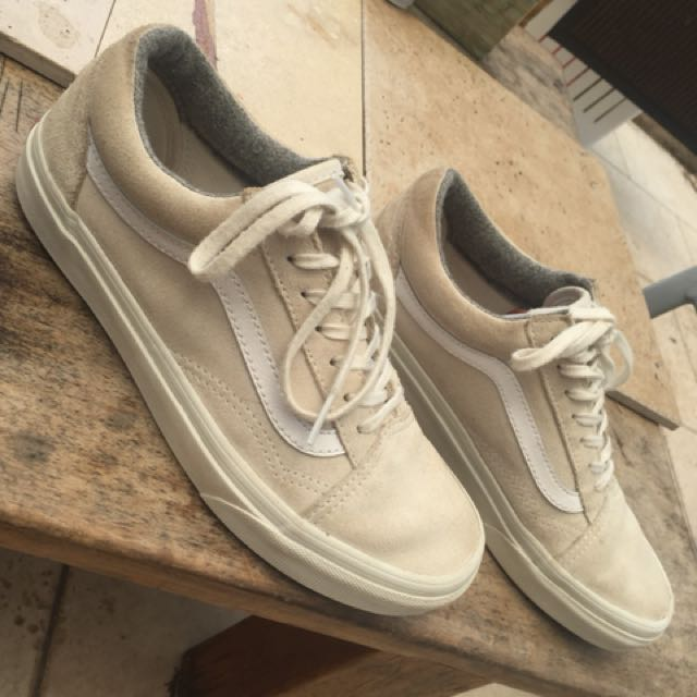 Off white coloured vans men's size 6