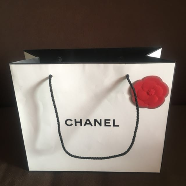 6ffc64840f89b1 Original CHANEL Paper Bag Small, Luxury, Bags & Wallets on Carousell