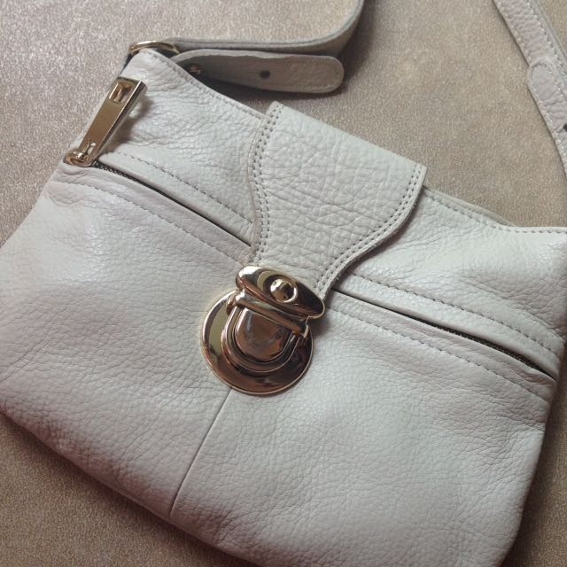 Oroton White Soft Leather Hand Bag