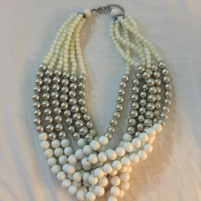 Pearls White Necklace