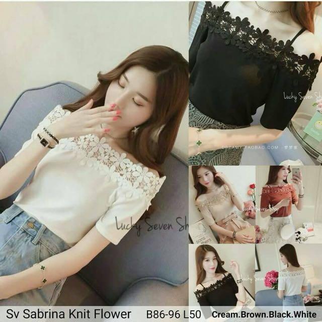 Sabrina knit flower