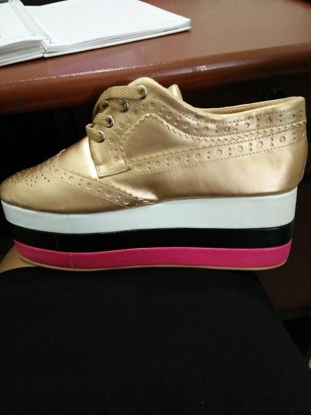 Sepatu wanita 84670eca6c