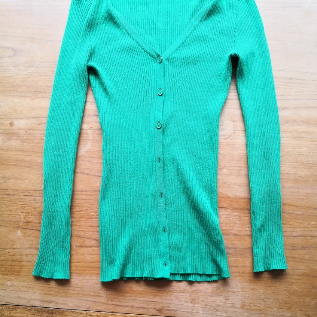Size S fitted green Cardigan