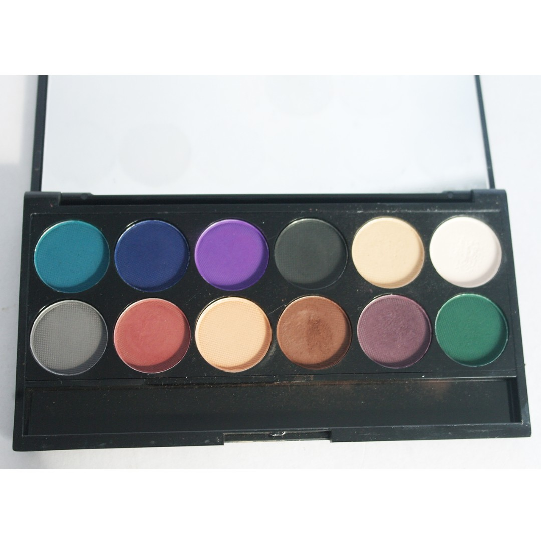 Sleek Eyeshadow Pallette Ultra Matts V2