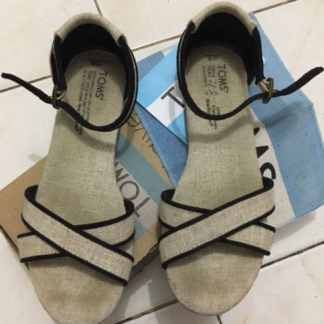 Toms sandals s6