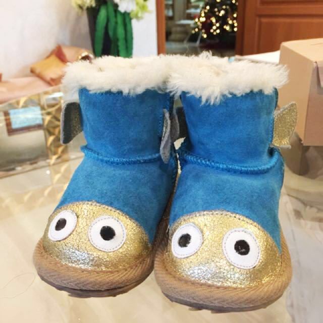 UGGS for kids! Size 12-18m