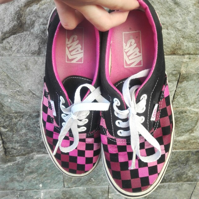 Vans checkerboard black and pink