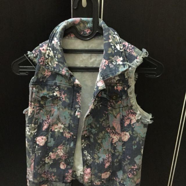 vest jeans flower