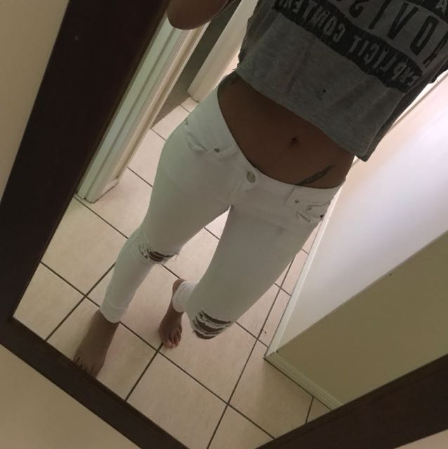 White Jeans (low rise)