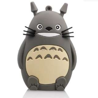 TOTORO POWER BANK 8,800mAh with external USB-cable