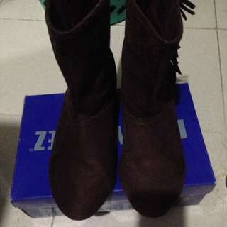 Shoo in womens boots