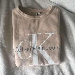 (Calvin Klein) crew neck