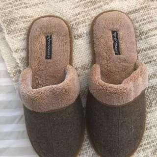Men's docker slippers size 8