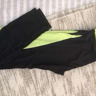 Gym pants with neon print