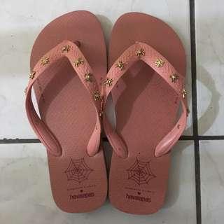 Charlotte Olympia X Havaianas Flip Flops