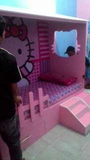 Tempat tidur anak karakter