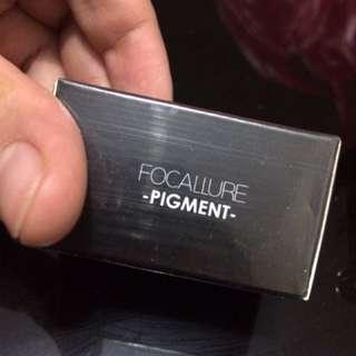 Focallure loose pigment eye shadow powder