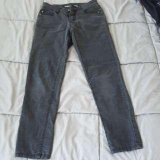 Dark grey jeans (ankle biter)