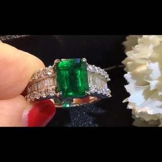 18k金鑲2.75ct祖母綠配鑽石戒指